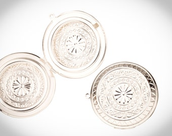 Round Silver Plated Three-Frame Locket