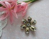 Vintage Flower Brooch Daisy Brooch Gold Diamante Brooch High End Brooch