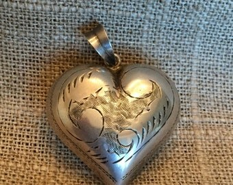 Vintage Etched Silver Puffed heart pendant