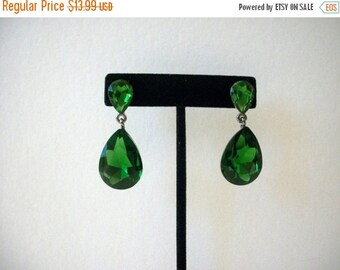 ON SALE Retro Green Etched Glass Foil Earrings 9216