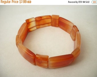 ON SALE Vintage Shades Of Orange Polished Stone Bracelet 1119