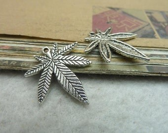 30 Maple Leaf Charms Antique Silver Tone