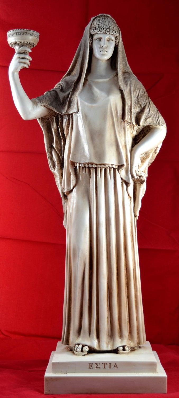 Hestia Guardian Deity of the House Family statue greek 25