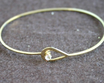 Vintage, gold tone bracelet.  Very pretty.