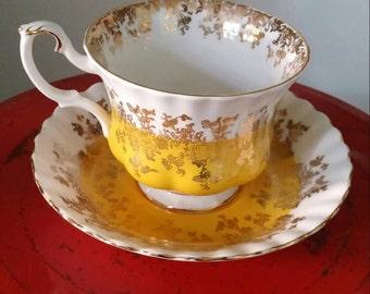 Cup and saucer Royal Albert