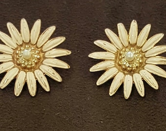 Daisey earrings