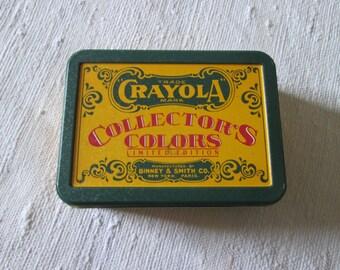 Box wax crayons
