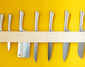 Birch plywood wallmounted knife holder