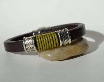 Dark Brown Leather Bracelet/Antique Silver Magnetic Clasp/Antique Silver Spacer/Men's Bracelet