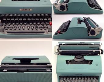OLIVETTI LETTERA 32 - Typewriter Olivetti - Vintage Portable Manual typewriter - working typewriter