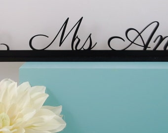 Custom Name Sign. Personalized table name. Wedding custom sign. Table top sign. Sweetheart table décor. Head table décor. Customized décor.