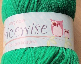 King Cole Pricewise Double Knitting Wool - Shamrock