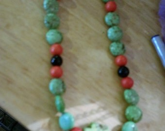 Bracelet multicolored turquoise beads