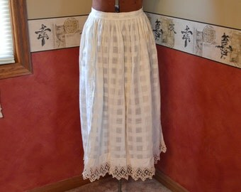 Vintage Crochet Apron, Antique Kitchen Clothing from circa 1910 era,  #333