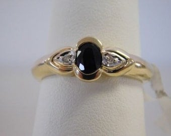 10 KT Yellow Gold Blue Sapphire and Diamond Ring - Size 7.25