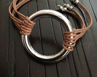 Large Eternal Wring with Leather Bands