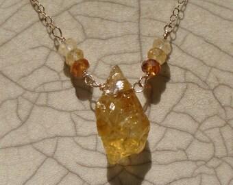 Citrine Necklace, Cirtine Rough, Raw Citrine, November Birthstone, Ombre Necklace, Hessonite Necklace, Dainty Gemstone Necklace