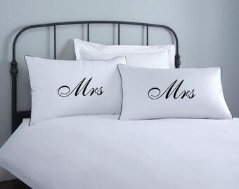 Mrs & Mrs Pillowcase set - 2 pillow covers - home wedding gift - engagement gift - anniversary gift - couple pillowcase - white pillowcase