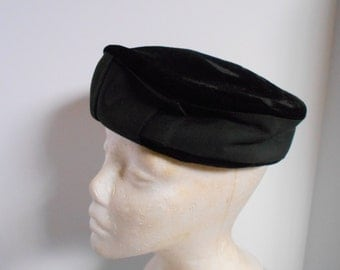 Black Velvet vintage hat: Pillbox......