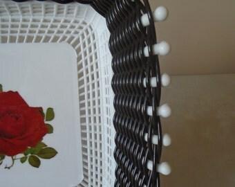black plastic woven fruit/bread basket