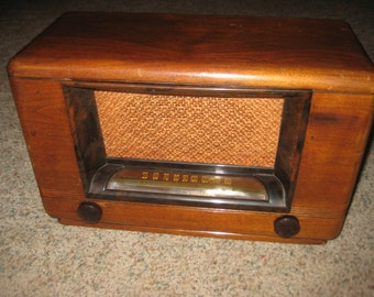 Airline (WARDS RADIO)  Model 6D12 1947 (WORKING)
