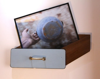 Magic drawer, flattened object to the wall / wall with photo / photographic print