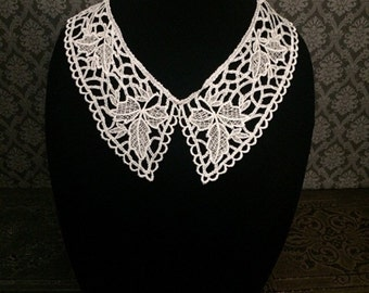 Gothic collar necklace // Wednesday Addams collar // detachable collar // Peter Pan collar // white lace collar // white collar