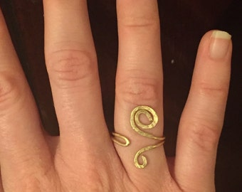 Simple Gold Hammered Wire Ring - Adjustable Ring, Gold Ring, Spiral Ring, Bohemian Ring, Gypsy Ring, Boho Jewelry, Affordable Ring