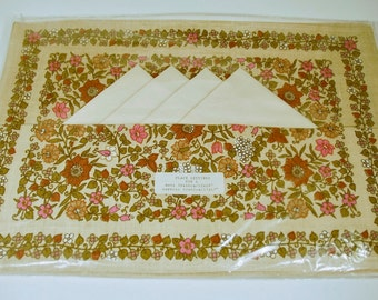 4 Vintage fabric Cotton Placemats and Napkins -Cotton 70's Floral Placemats Still in Packaging