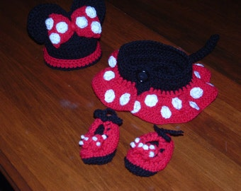 Minnie Mouse 4 piece outfit
