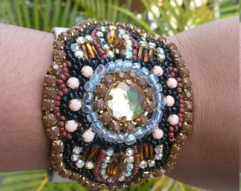 Bracelet with apply embroidery rhinestones