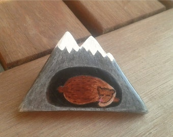 Free shipping. Mountain. Brooch.