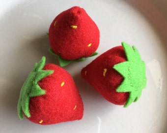 felt food strawberries, play food strawberries, pretend play food fruit, fake food, creative play food