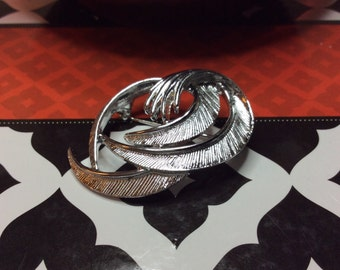 Sarah Coventry Silver Swirl Brooch 1970's