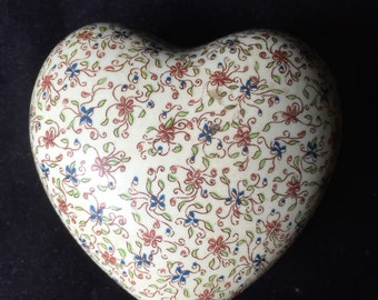 Terragrafics Ceramic Heart Trinket Box