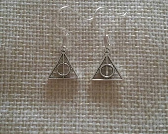 Harry Potter*** Deathly Hallows Symbol dangle/drop earrings... with a FREE gift bag! Perfect 'Harry Potter' gift or treat...