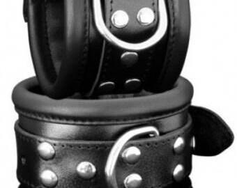 Wrist restraint set top qualitiy, extra soft padded, Studio-quality, genuine leather, 6.5 cm wide!