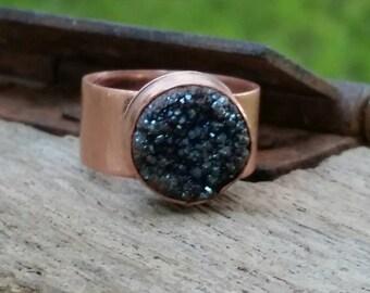 Dark purple druzy and wide band, copper ring.