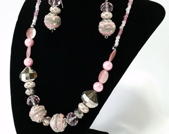 Pink glass beads set (earrings + necklace)