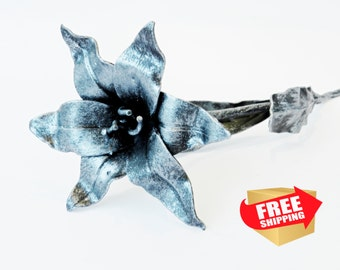 Metal lily flower  The Perfect Gift, Every Time. Handmade Steel   lily (Gold. Silver, Сopper)