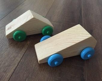 Set of 2 Geometric Shape Wooden Cars