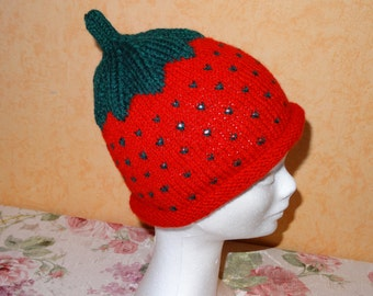 knitted, soft Strawberry hat in red
