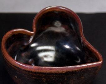 Handmade 12 fl. oz. heart-shaped bowl