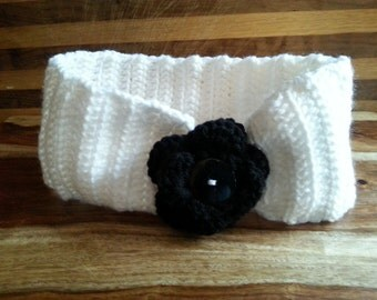 Simple Crochet headband with removable flower