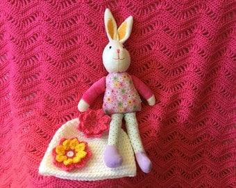 Pink baby blanket, baby shower gift set, crochet baby blanket, handmade baby set, baby beanie, pink blanket, white baby hat,