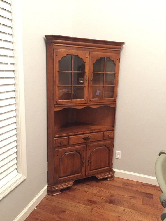 Items Similar To 1900s Solid Maple Corner Hutch Temple Stuart Early Ameri