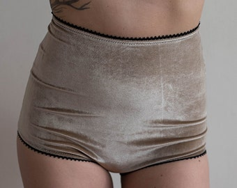 Velvet High Waisted Knickers in Champagne