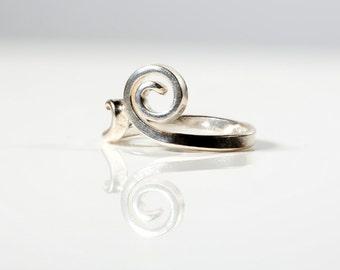 Single Spiral Sterling Silver Ring