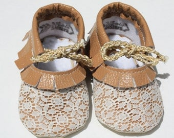 Lacy Mary Jane infant shoes- Toddler leather shoes- Baby girl shoes- Baby shoes- Mary Janes