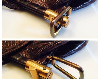 1940's Genuine Alligator Purse with Bar Clasp Opening